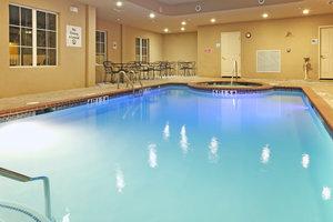 Pool - Holiday Inn Express Hotel & Suites Kilgore