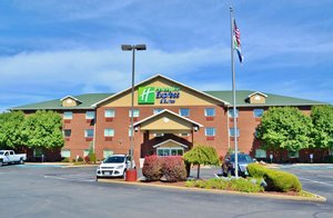 Exterior view - Holiday Inn Express Hotel & Suites Monaca