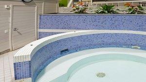 Pool - Holiday Inn Burlington