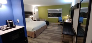 Room - Holiday Inn Express Rolling Meadows