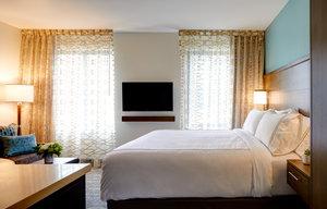 Room - Staybridge Suites South Lake Union Seattle