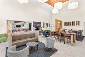 Lobby - Holiday Inn Express Hotel & Suites Duncan