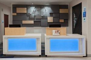 Lobby - Holiday Inn Express North Dothan