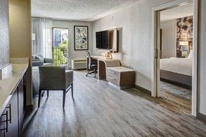 Suite - Courtyard by Marriott Hotel Vanderbilt West End Nashville