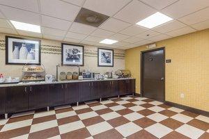 Restaurant - Brandon Center Hotel Southeast Tampa
