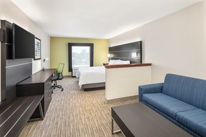Suite - Holiday Inn Express Hotel & Suites Duncan