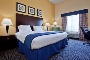 Room - Holiday Inn Express Hotel & Suites South Akron