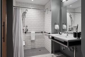 Room - Hotel Zachary Wrigley Field Chicago