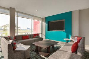 Lobby - Avid Hotel South Medical District Tulsa