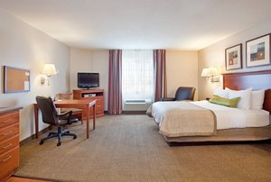 Room - Candlewood Suites Rockford