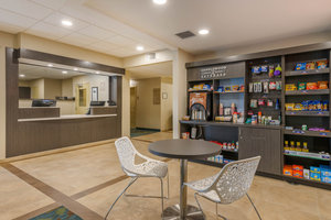 Lobby - Candlewood Suites Fort Myers
