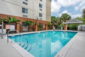 Pool - Candlewood Suites Fort Myers