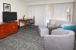 Suite - Courtyard by Marriott Hotel Valdosta