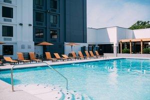Recreation - Courtyard by Marriott Beachfront Hotel Gulfport