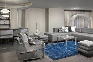 Suite - Renaissance Hotel Airport Edmonton