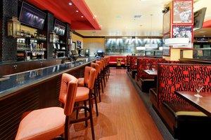 Bar - Holiday Inn Northeast Arlington