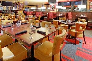 Restaurant - Holiday Inn Northeast Arlington
