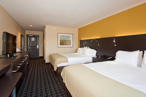 Room - Holiday Inn Express Hotel & Suites Newton