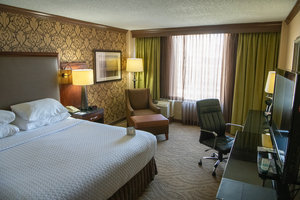 Room - Crowne Plaza Hotel Dayton