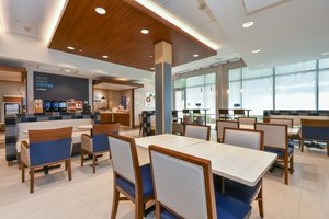 Restaurant - Holiday Inn Express Hotel & Suites Ballantyne Charlotte