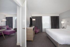 Room - Crowne Plaza Hotel Kansas City