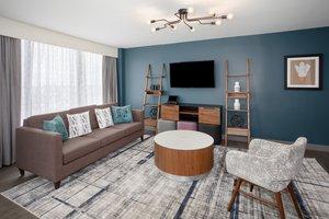 Suite - Crowne Plaza Hotel Kansas City