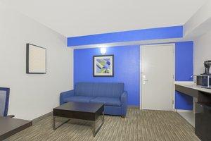 Room - Holiday Inn Express Doral
