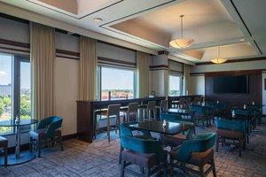 Bar - Renaissance Concourse Hotel Atlanta