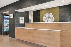 Lobby - Fairfield Inn by Marriott Visalia