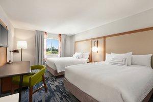 Room - Fairfield Inn by Marriott Visalia