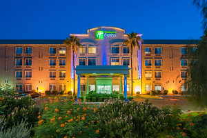 Exterior view - Holiday Inn Express Hotel & Suites Peoria