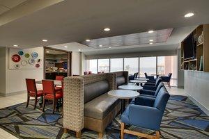Restaurant - Holiday Inn Express Hotel & Suites Pleasantville