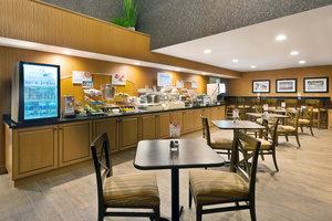 Restaurant - Holiday Inn Express Hotel & Suites Fraser