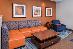 Lobby - Holiday Inn Express Hotel & Suites York