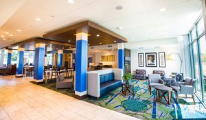Lobby - Holiday Inn Express Hotel & Suites Greenwood