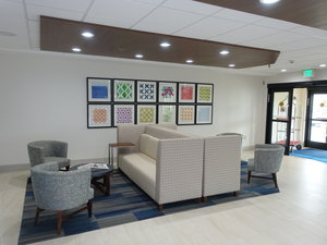 Lobby - Holiday Inn Express Hotel & Suites Brentwood