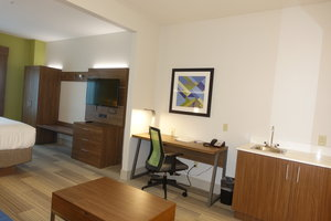 Room - Holiday Inn Express Hotel & Suites Brentwood