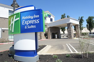 Exterior view - Holiday Inn Express Hotel & Suites Brentwood