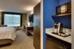 Room - Holiday Inn Express Georgetown