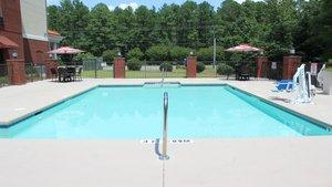 Pool - Holiday Inn Express Hotel & Suites Rockingham