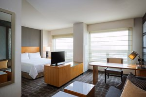 Room - Renaissance Suites Chicago O'Hare Airport