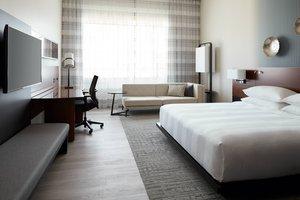 Room - Marriott Montreal Airport Hotel Montreal