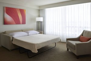 Room - Delta Hotel by Marriott Airport Toronto