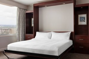 Suite - Marriott Hotel New Orleans