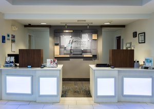 Lobby - Holiday Inn Express Hotel & Suites Muskogee
