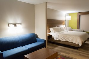 Suite - Holiday Inn Express Hotel & Suites Muskogee
