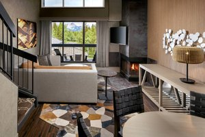 Suite - Kananaskis Mountain Lodge