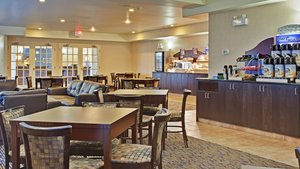 Restaurant - Holiday Inn Express Hotel & Suites Swift Current