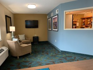 Lobby - Candlewood Suites Crabtree Raleigh