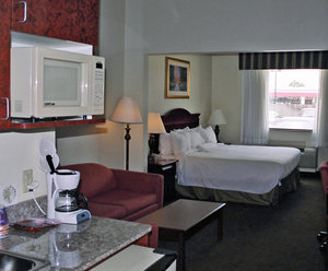 Suite - Holiday Inn Express Hotel & Suites Greenville